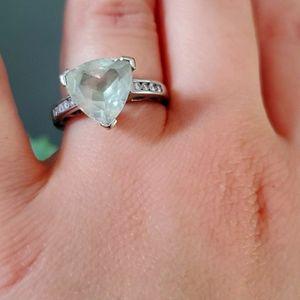 Jewelry - White gold and diamond ring